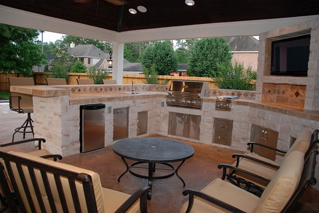 Outdoor Homescapes Full Kitchen